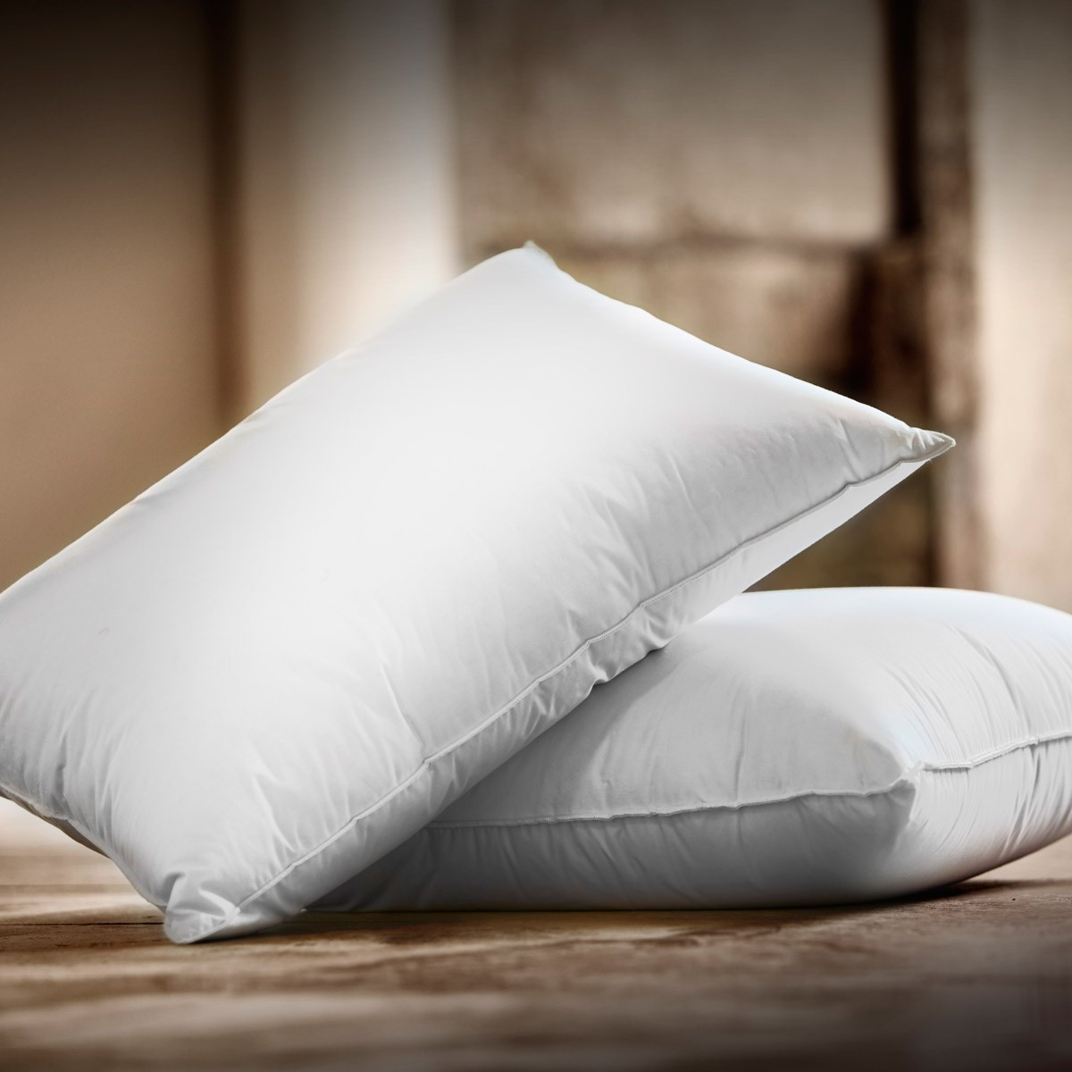 Feather firm comfort pillow luxe dumas paris for Comfort inn hotel pillows