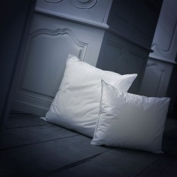 Allure synthetic pillow